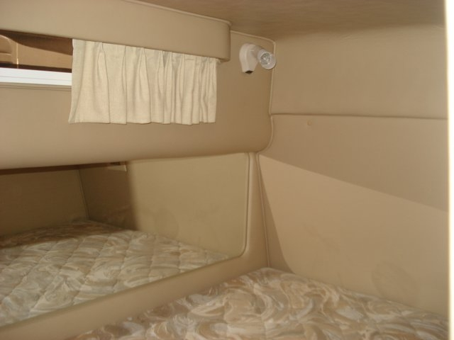 1998 Sea Ray 310 Sundancer - Photo #12