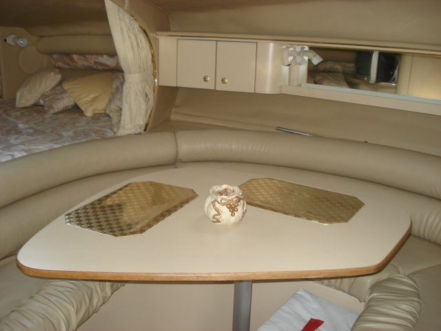 1998 Sea Ray 310 Sundancer - Photo #26