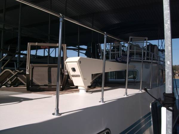 1990 Harbor Master 52 Widebody Houseboat - Photo #4