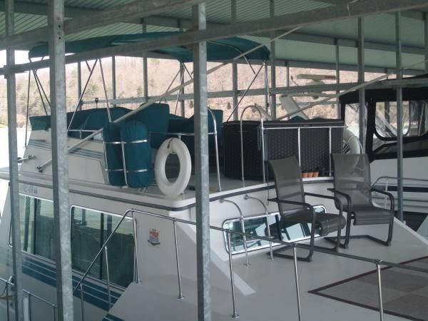 1990 Harbor Master 52 Widebody Houseboat - Photo #18