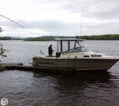 Trophy Pro 2352 Walkaround, 23', for sale - $22,500