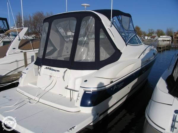 2006 Cruisers 320 Express - Photo #3