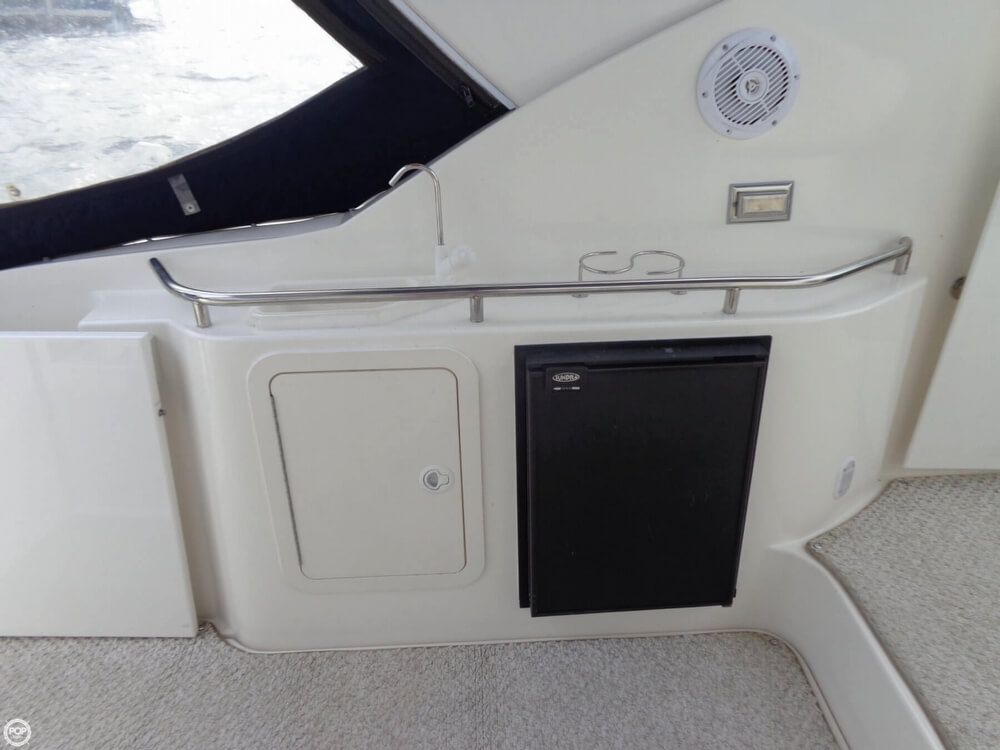 Wet Bar In Cockpit With Fridge/freezer