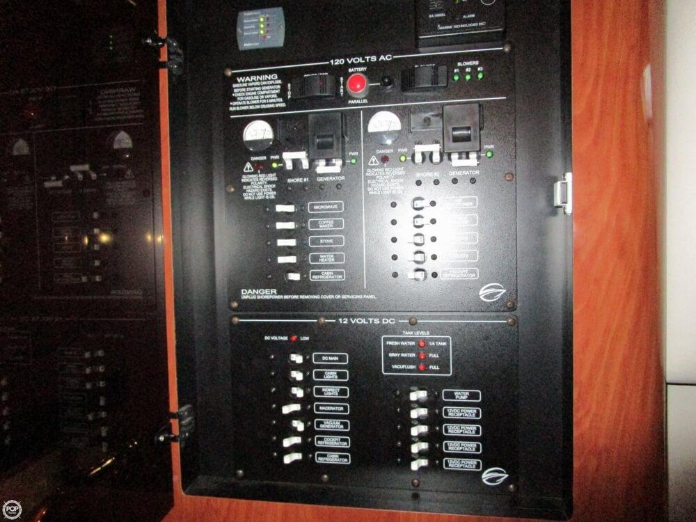 2007 Crownline 340 - Photo #34