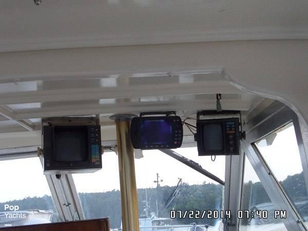 1971 Hatteras boat for sale, model of the boat is 31 Flybridge Cruiser & Image # 28 of 40