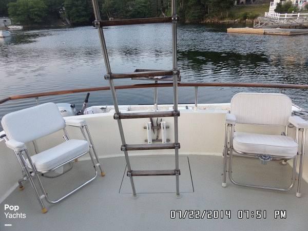 1971 Hatteras boat for sale, model of the boat is 31 Flybridge Cruiser & Image # 29 of 40