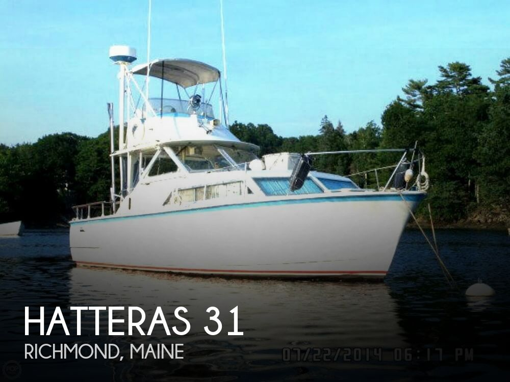 1971 Hatteras boat for sale, model of the boat is 31 Flybridge Cruiser & Image # 1 of 40