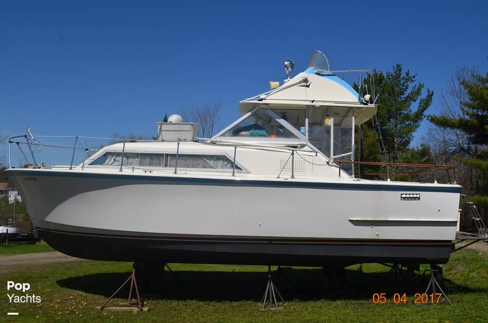 1971 Hatteras boat for sale, model of the boat is 31 Flybridge Cruiser & Image # 40 of 40