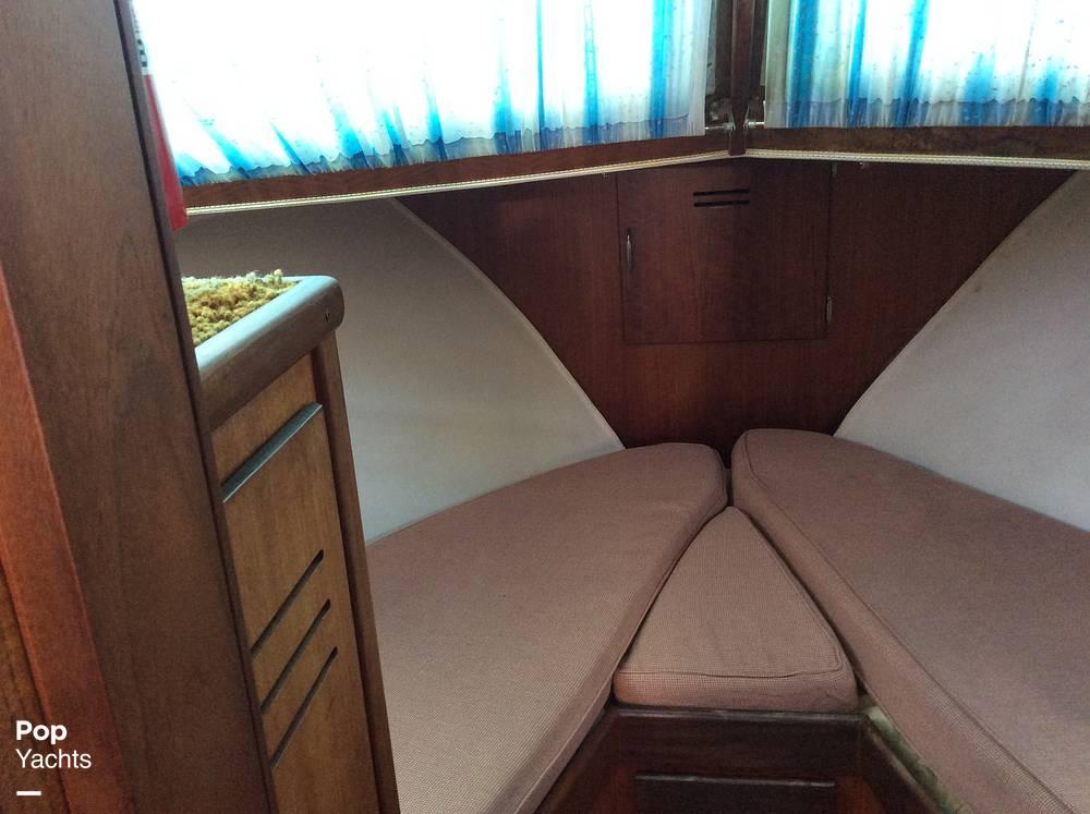 1971 Hatteras boat for sale, model of the boat is 31 Flybridge Cruiser & Image # 9 of 40