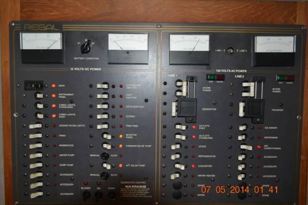 1990 Regal 360 Commodore - Photo #9