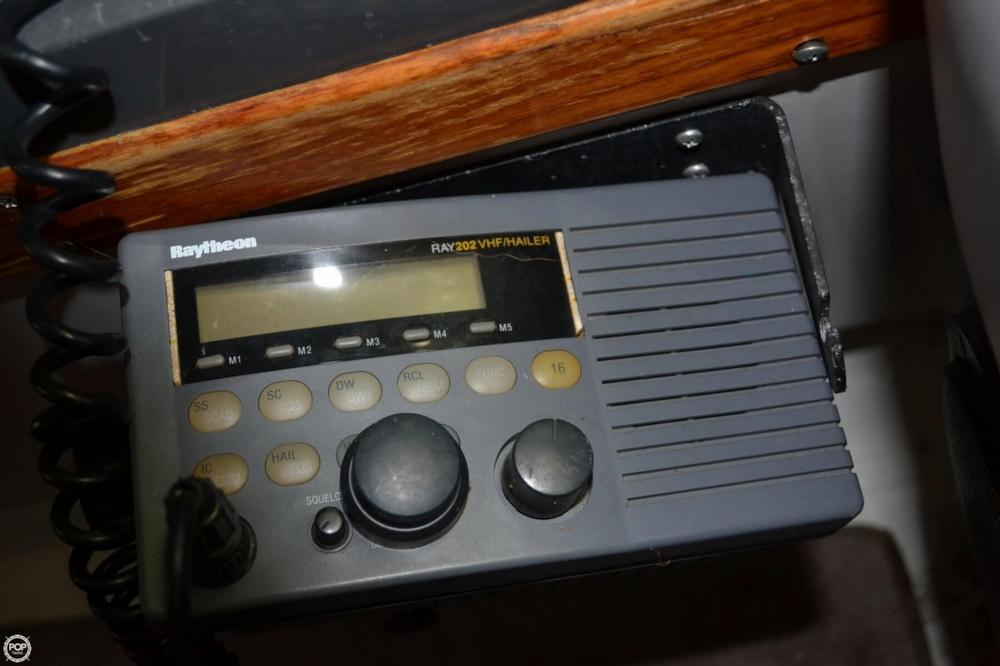 1990 Regal 360 Commodore - Photo #37