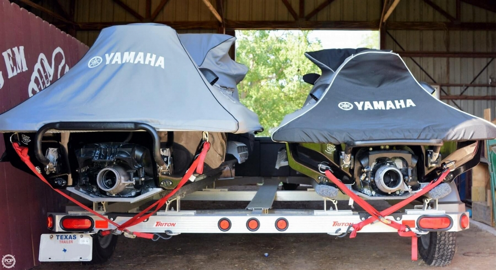 2012 Yamaha FX Super High Output - 2 Skis - Photo #12