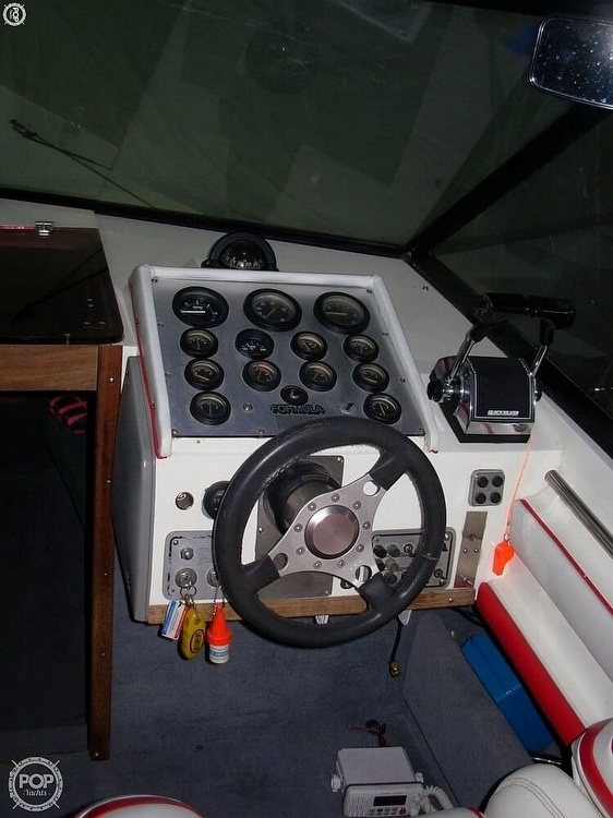 1981 Formula boat for sale, model of the boat is 302 LS & Image # 20 of 30