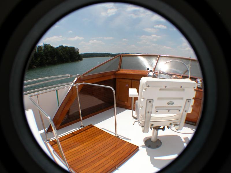 1974 Trojan F44 Motor Yacht - Photo #10