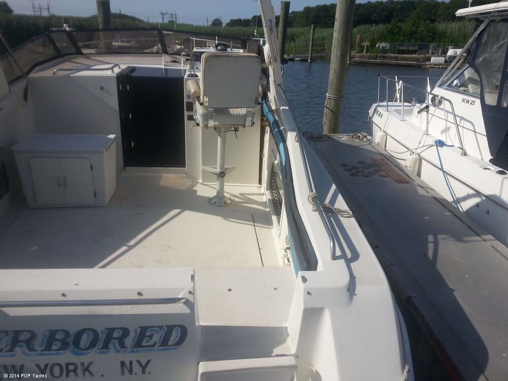 1988 Silverton boat for sale, model of the boat is 30X & Image # 10 of 40