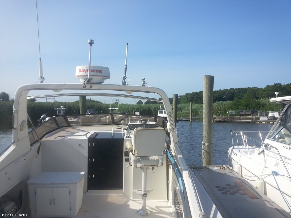 1988 Silverton boat for sale, model of the boat is 30X & Image # 12 of 40
