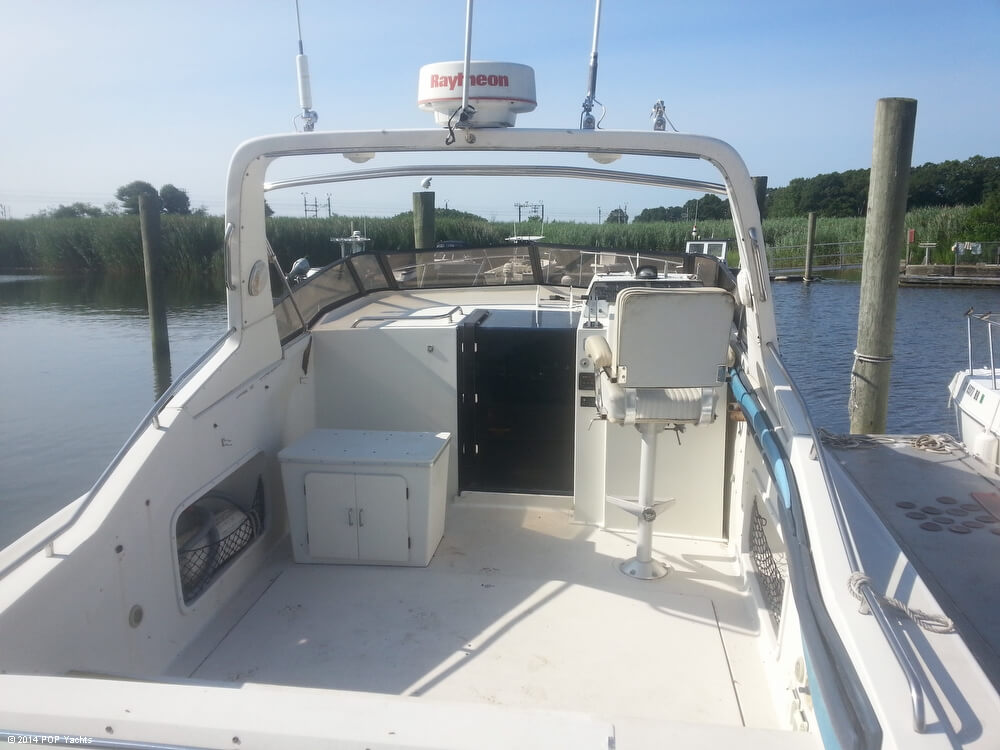 1988 Silverton boat for sale, model of the boat is 30X & Image # 13 of 40