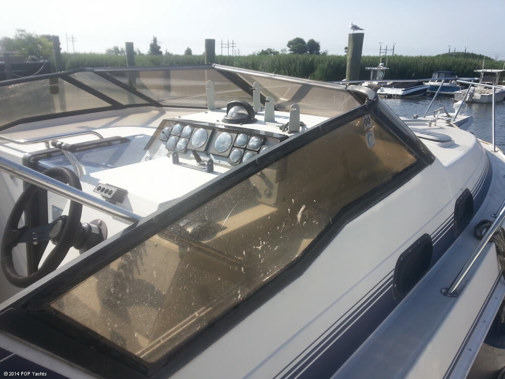 1988 Silverton boat for sale, model of the boat is 30X & Image # 19 of 40