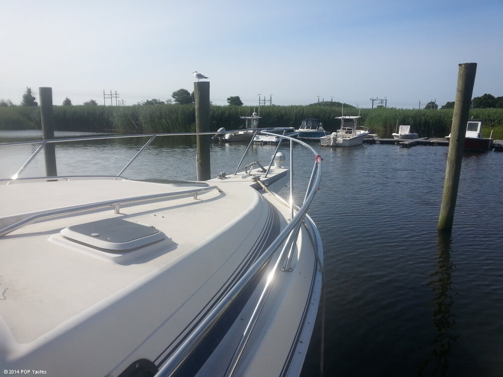 1988 Silverton boat for sale, model of the boat is 30X & Image # 20 of 40