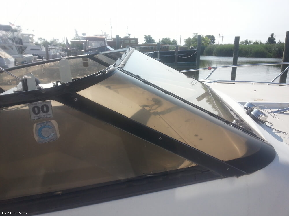 1988 Silverton boat for sale, model of the boat is 30X & Image # 24 of 40