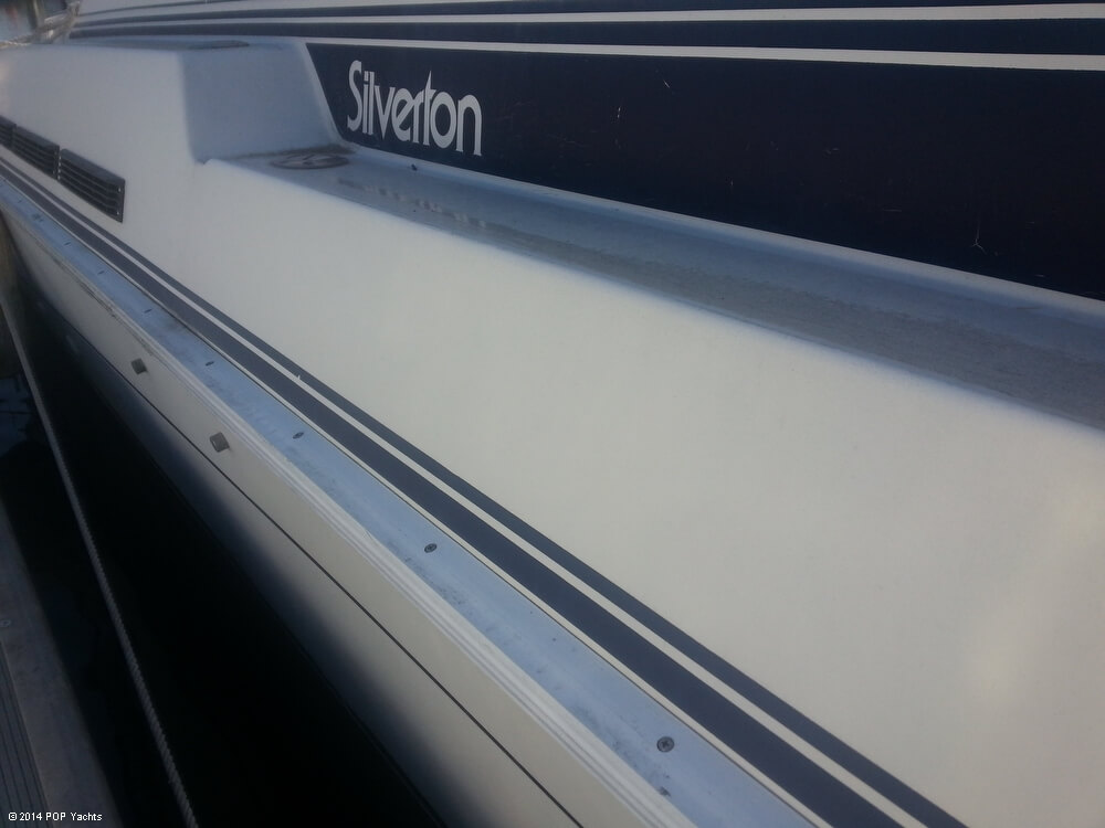 1988 Silverton boat for sale, model of the boat is 30X & Image # 28 of 40
