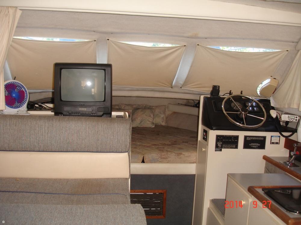 1995 Bayliner 2858 Command Bridge Classic - Photo #11