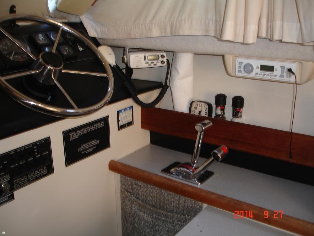 1995 Bayliner 2858 Command Bridge Classic - Photo #40