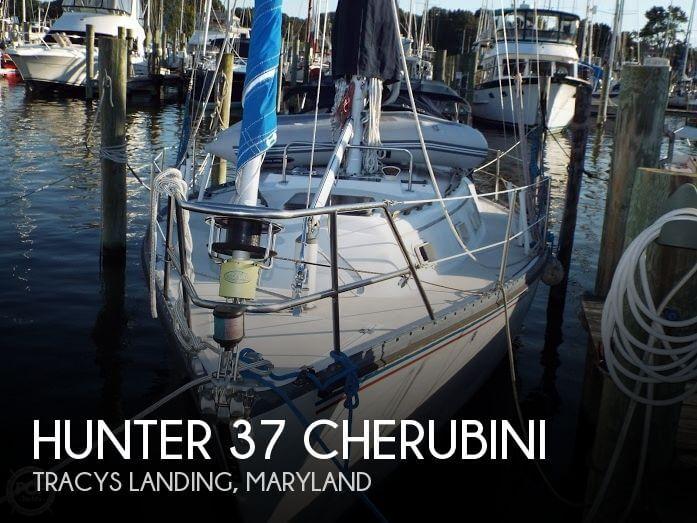 1982 Hunter 37 Cherubini - Photo #1