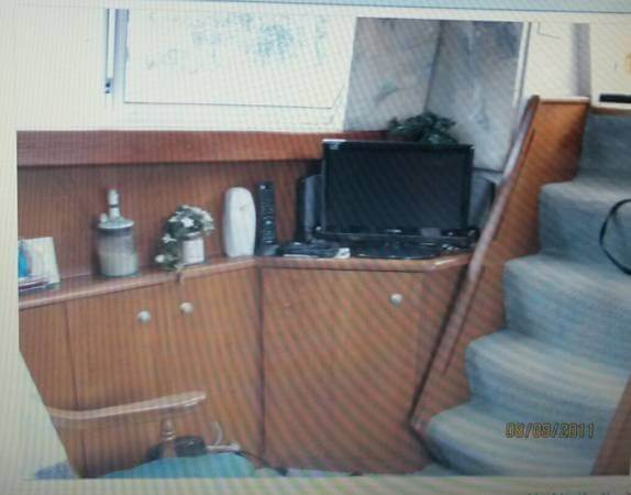 1995 Silverton 34 Aft Cabin - Photo #8