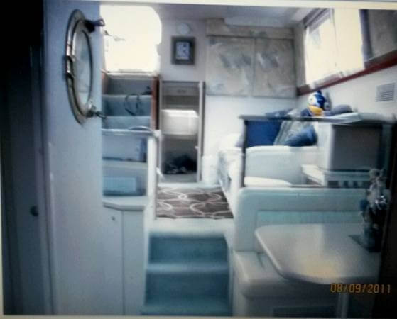 1995 Silverton 34 Aft Cabin - Photo #9