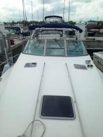 1992 Sea Ray 330 Sundancer Cruiser - Photo #3