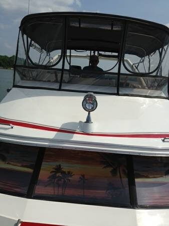 1990 Bayliner 3888 Motoryacht - Photo #4
