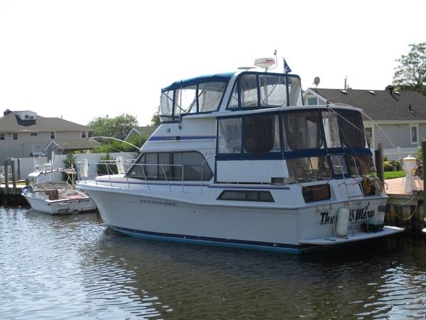 1988 Chris-Craft 426 Catalina Double Cabin - Photo #3