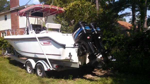 2002 Boston Whaler 230 Outrage - Photo #2