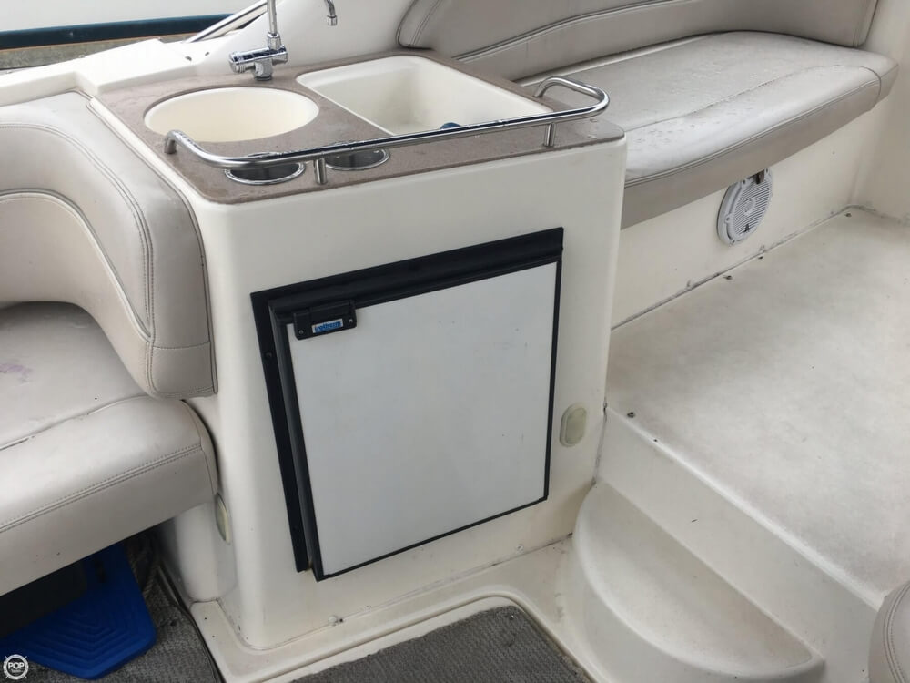 2006 Larson boat for sale, model of the boat is 330 Cabrio & Image # 8 of 40