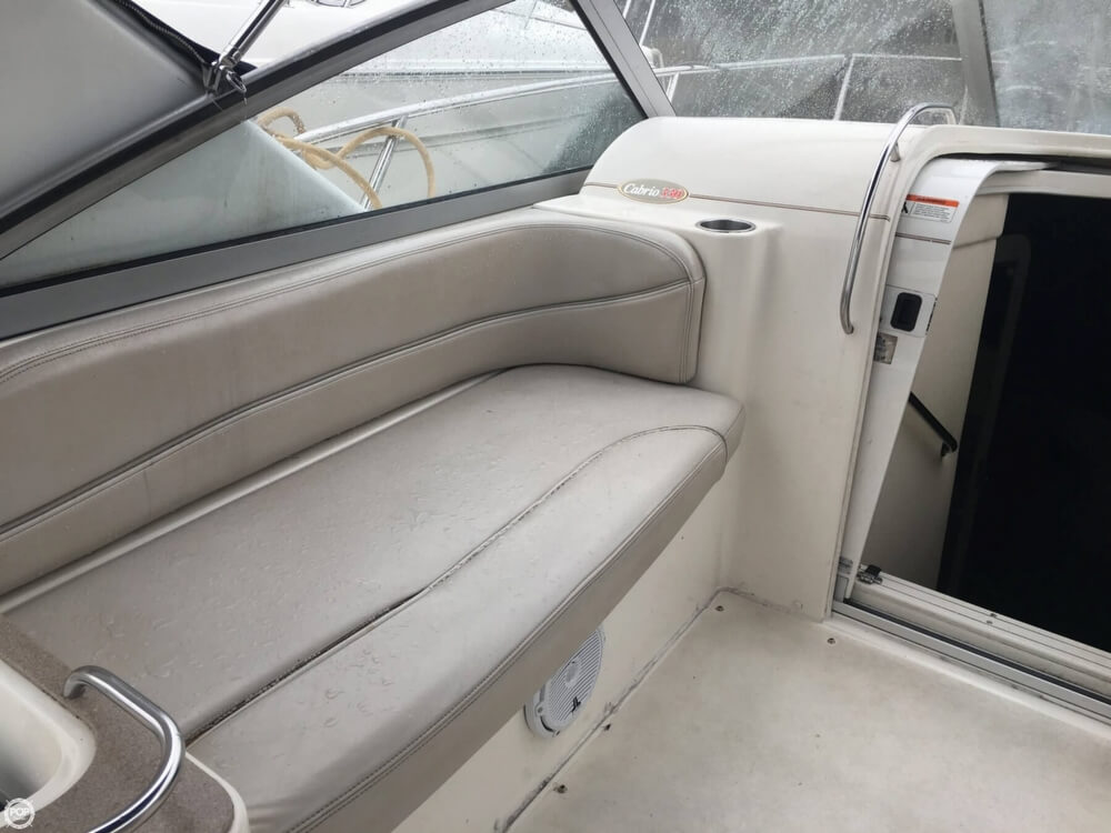 2006 Larson boat for sale, model of the boat is 330 Cabrio & Image # 12 of 40