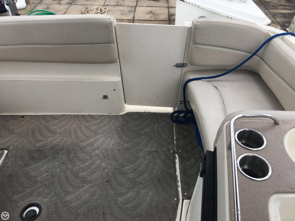2006 Larson boat for sale, model of the boat is 330 Cabrio & Image # 17 of 40