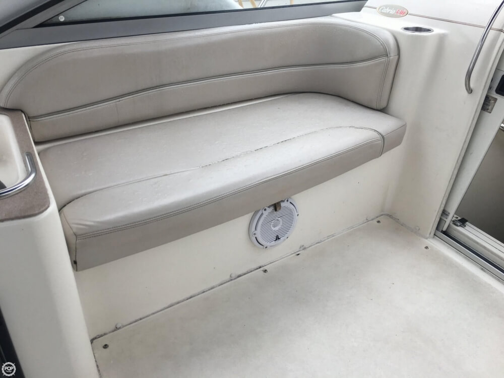 2006 Larson boat for sale, model of the boat is 330 Cabrio & Image # 27 of 40