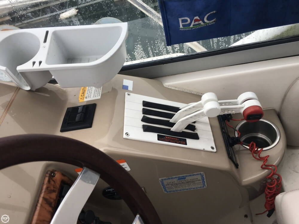 2006 Larson boat for sale, model of the boat is 330 Cabrio & Image # 34 of 40