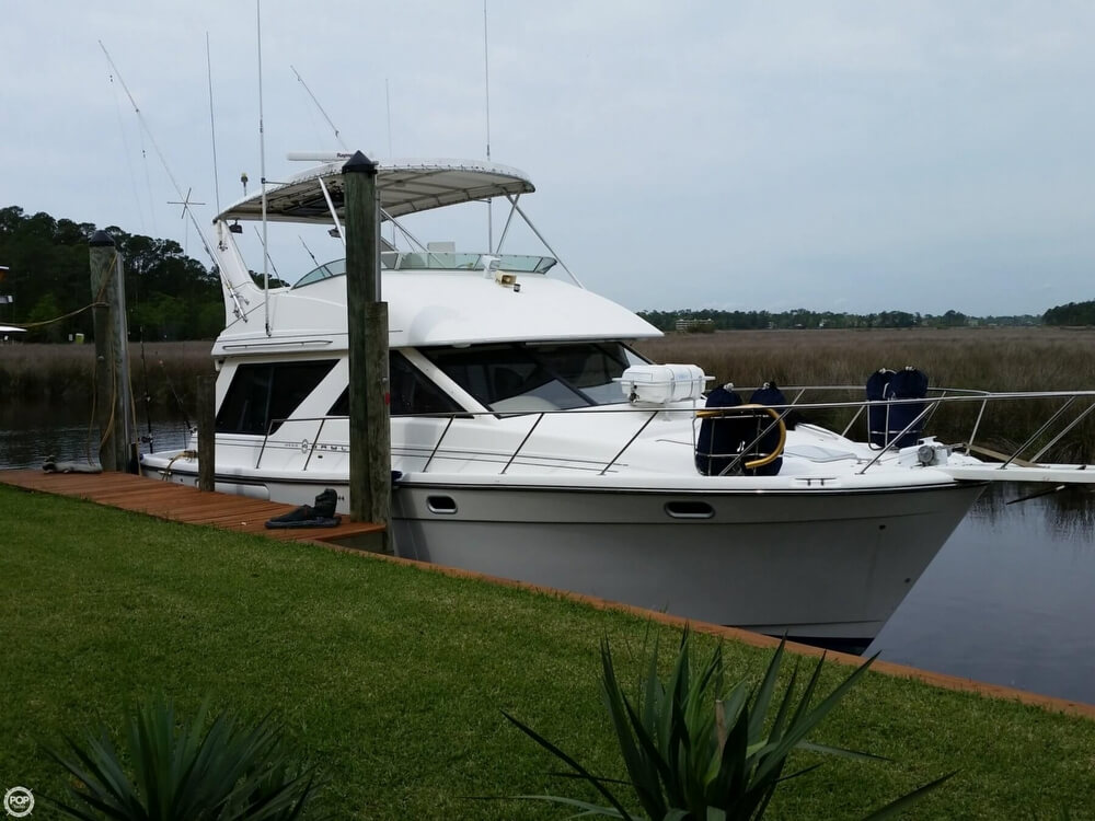 1999 Bayliner 3988 - Photo #4