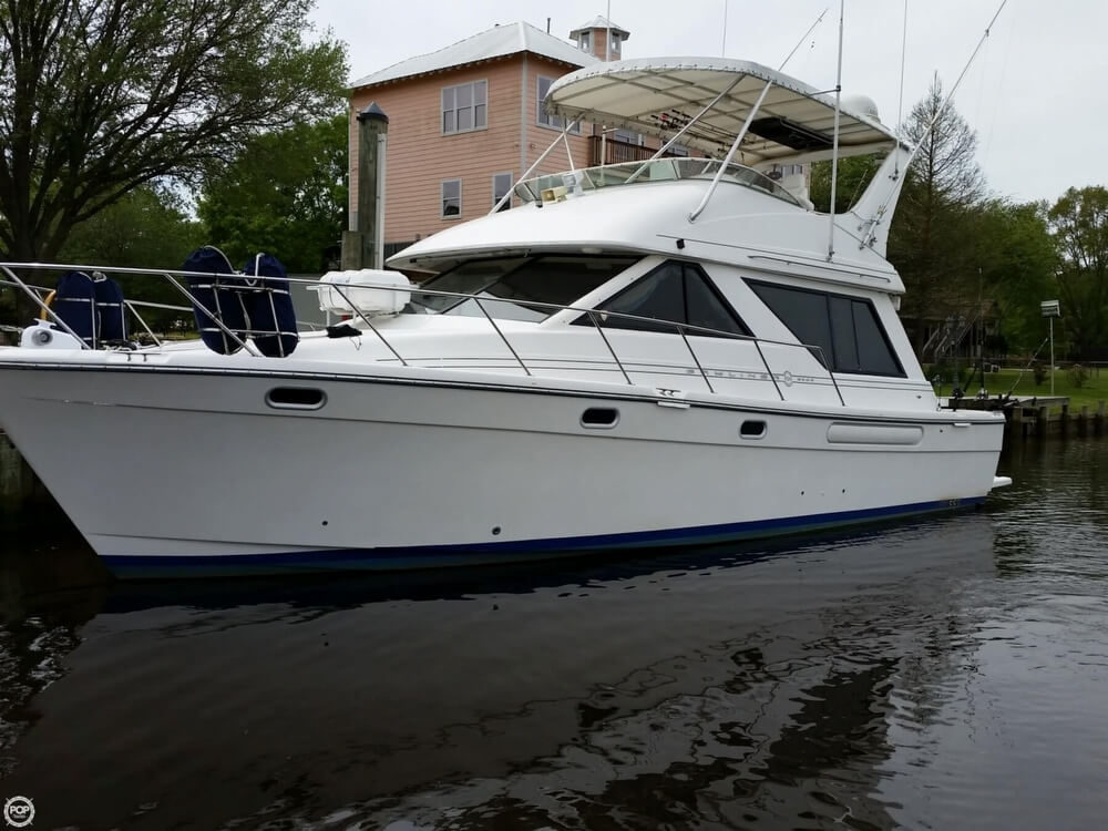 1999 Bayliner 3988 - Photo #19
