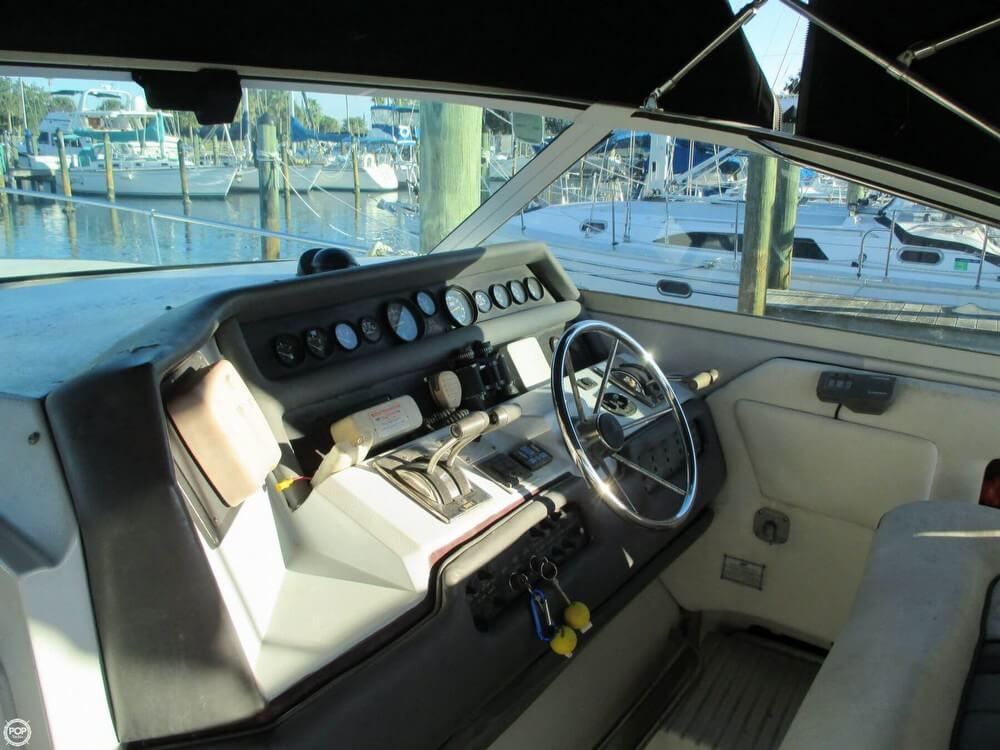 1990 Sea Ray 350 Sundancer - Photo #5