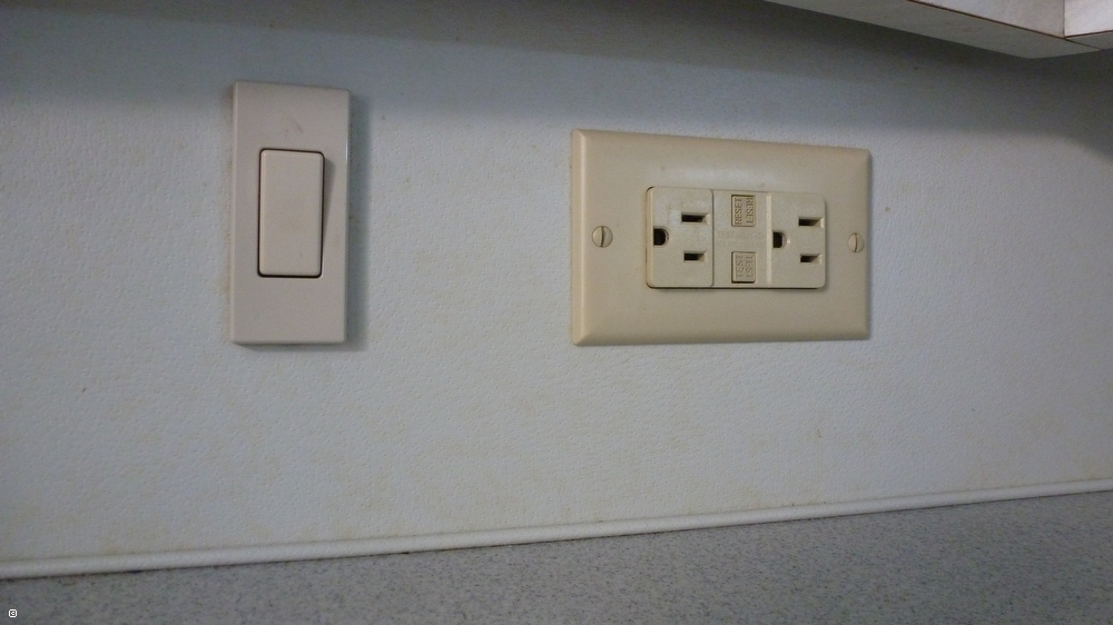 Galley Light Switch And 110 Recept (GFI)