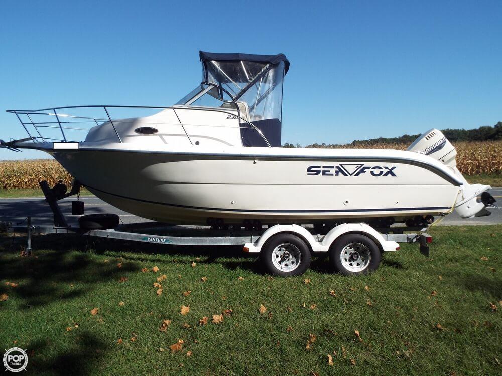 2000 Sea Fox 230 Walkaround - Photo #2