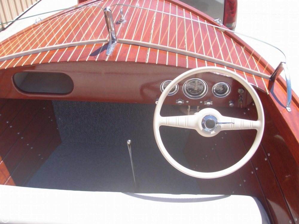 1954 Chris-Craft Sportsman Deluxe - Photo #11