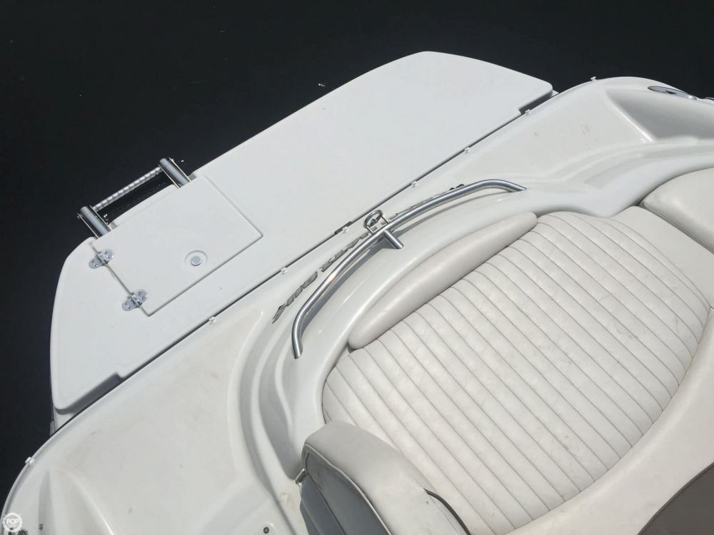 2005 Crownline boat for sale, model of the boat is 206 LS & Image # 27 of 40