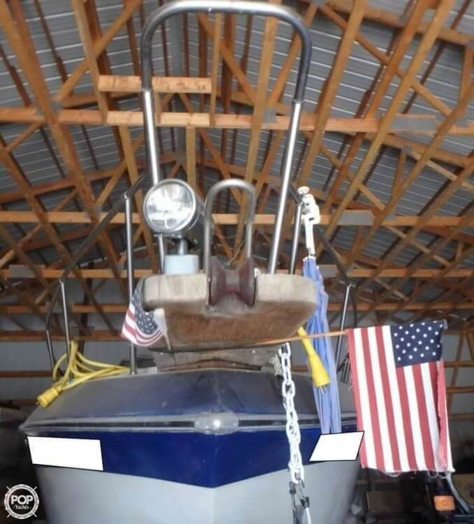 1988 Celebrity boat for sale, model of the boat is 266 Crownline & Image # 5 of 40