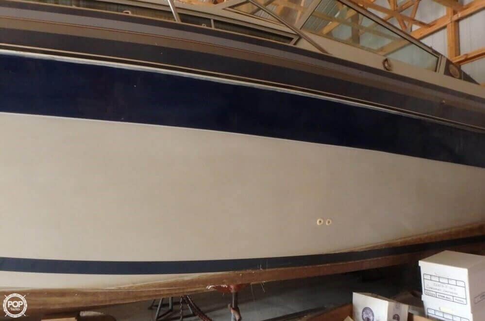 1988 Celebrity boat for sale, model of the boat is 266 Crownline & Image # 7 of 40