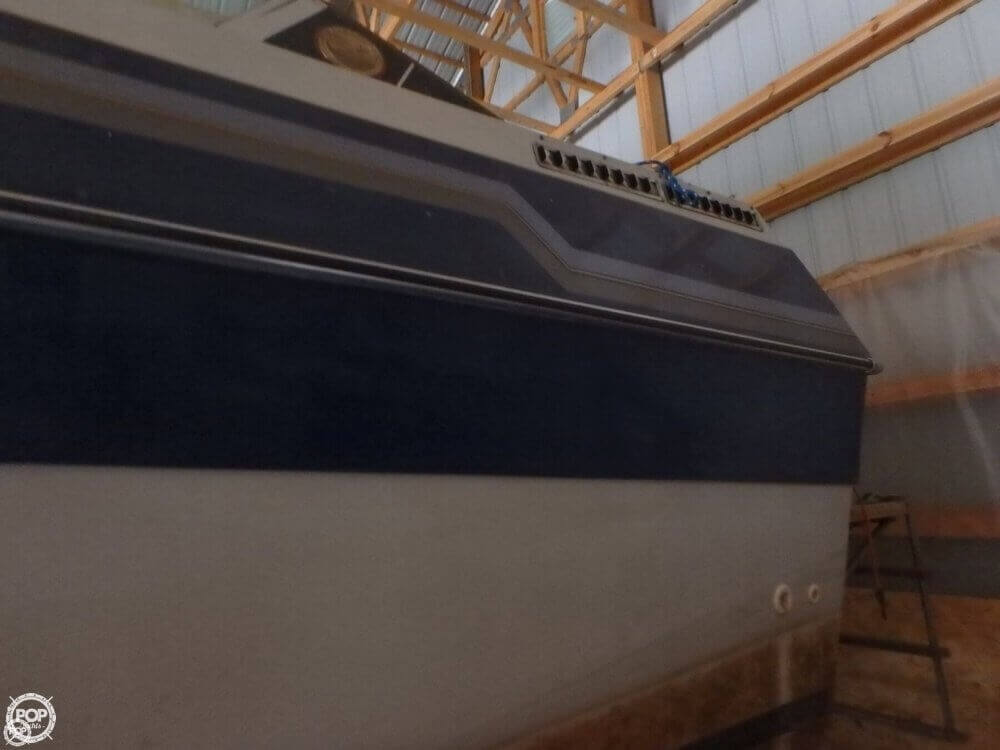 1988 Celebrity boat for sale, model of the boat is 266 Crownline & Image # 9 of 40