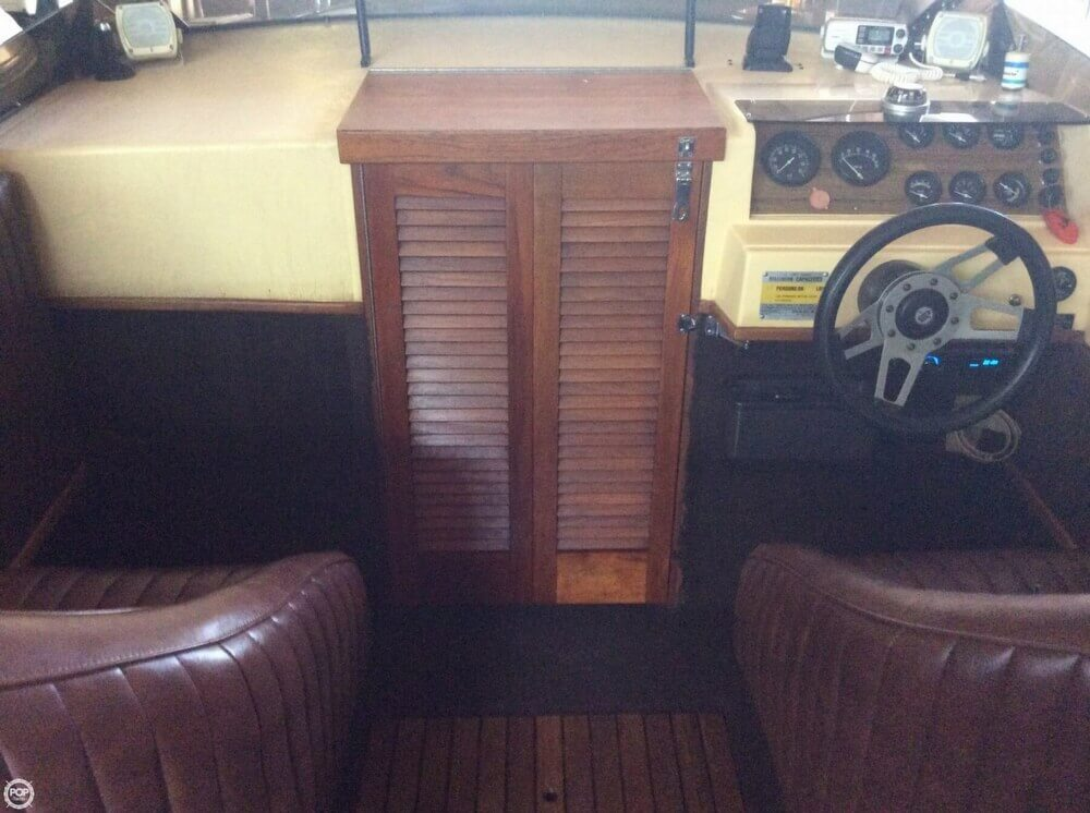 1983 Tahiti boat for sale, model of the boat is Caribbean Day Cruiser & Image # 10 of 40